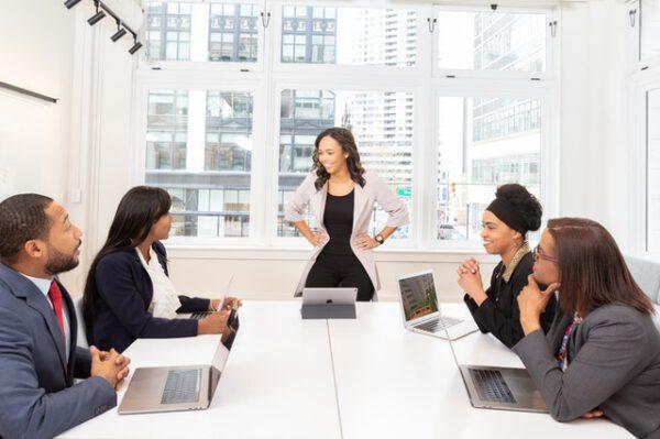 De voordelen van vergaderen op een vergaderlocatie